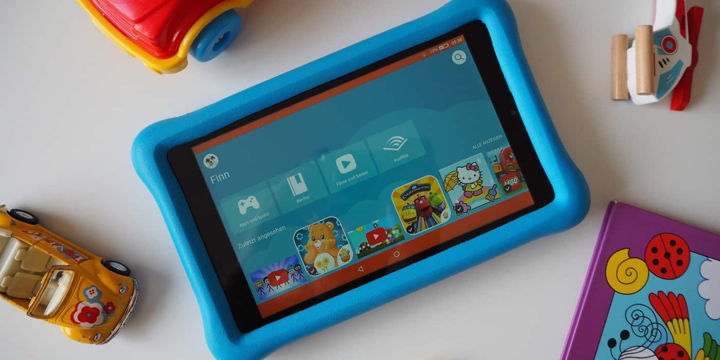 Das Amazon Fire HD 8 Kids Edition zwischen Spielzeug
