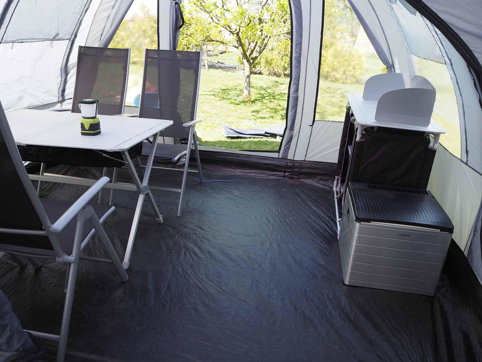 Großen Zelt mit genug Platz für 4 Personen