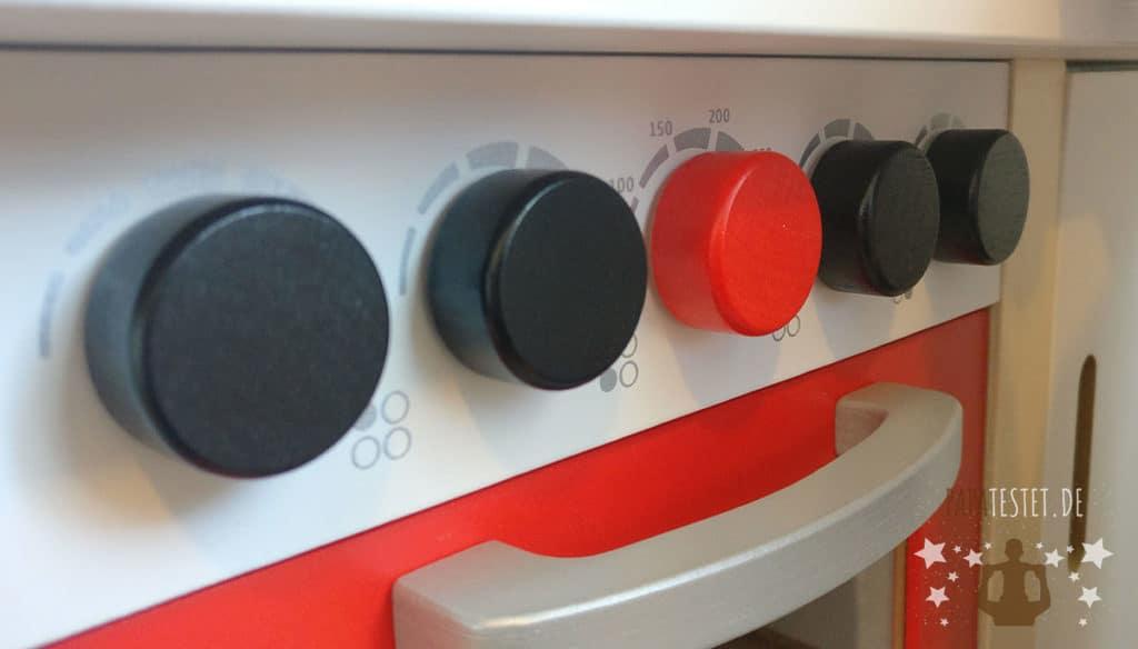 Drehbare Knöpfe mit Geräusche bei der Hape Spielküche