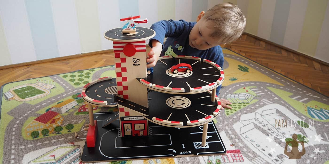 Das Spielzeug Parkhaus von Hape im Test