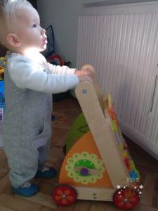 Der I'm Toy Lauflernwagen mit Baby im Test