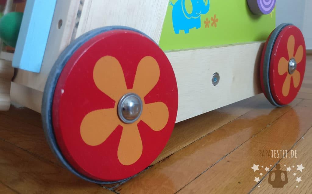 Die Räder mit Gummi des I'm Toy Lauflernwagens