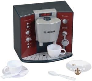 Eine Kaffeemaschine aus Kunststoff als Zubehör für die Kinderküche