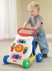Ein Kunststoff-Lauflernwagen von Mattels Fisher-Price