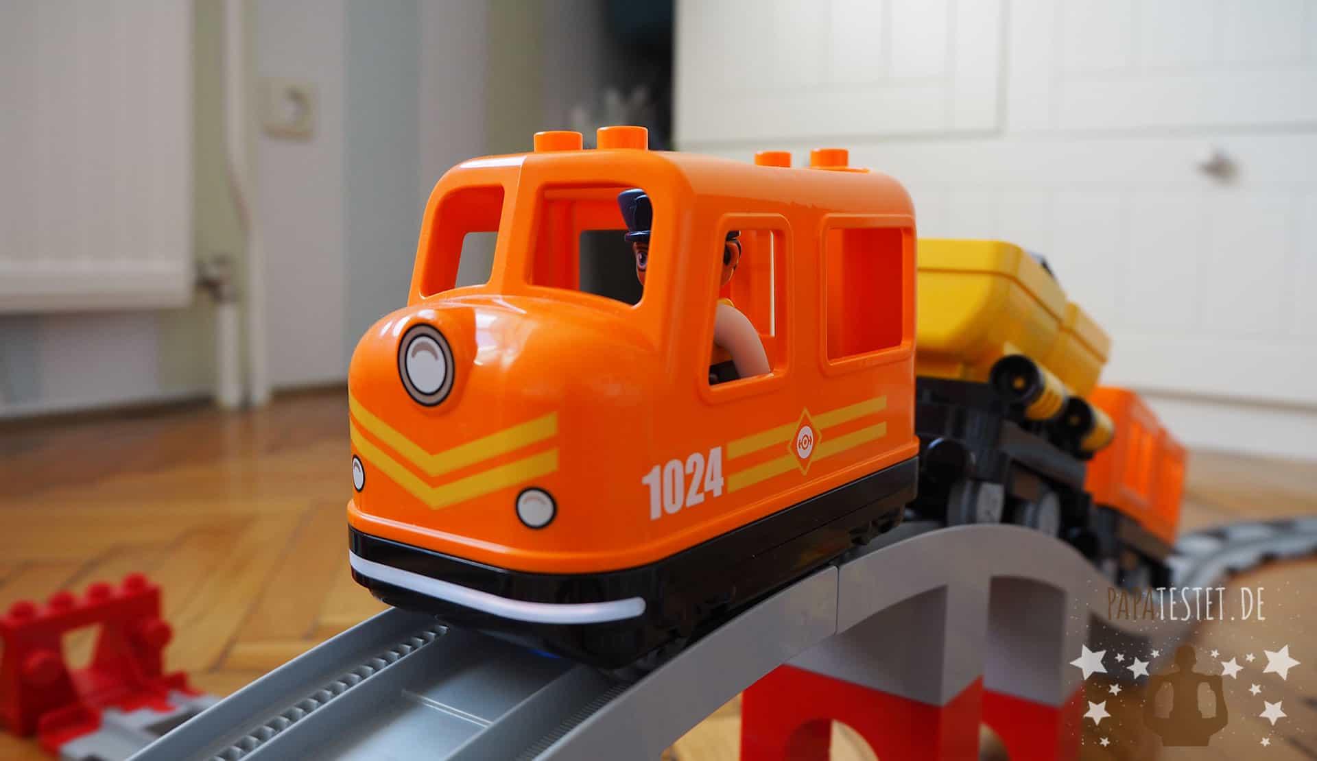 Güterzug der neuen Duplo Eisenbahn im Test