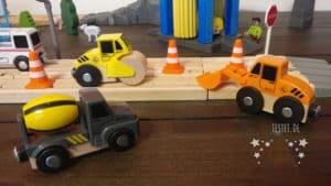 Bagger, Betonmischer und Straßenwalze aus dem Playtive Straßenfahrzeug-Set