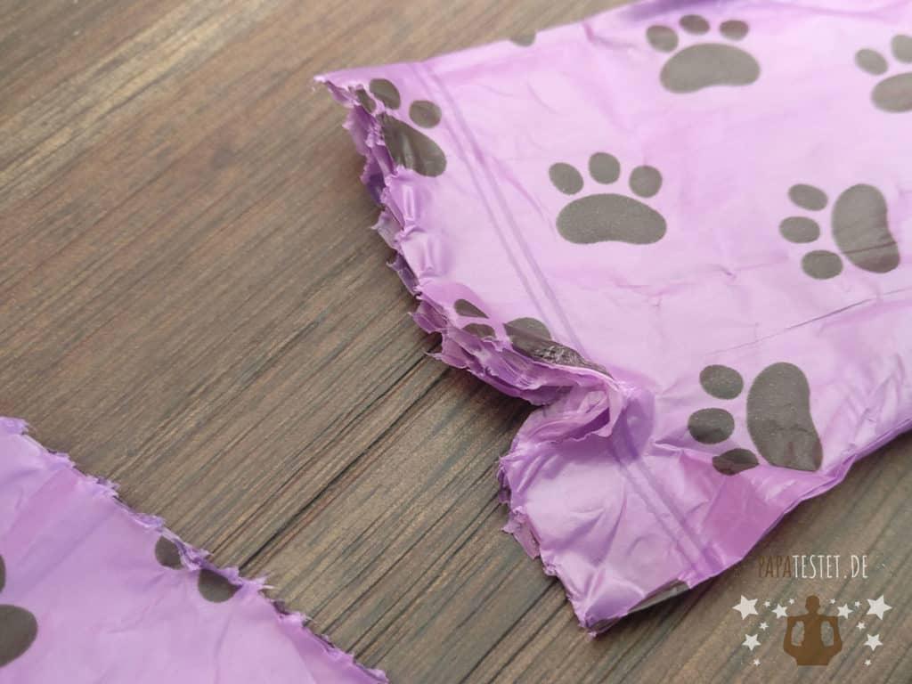 Pro Hund Hundekotbeutel mit einem Riss