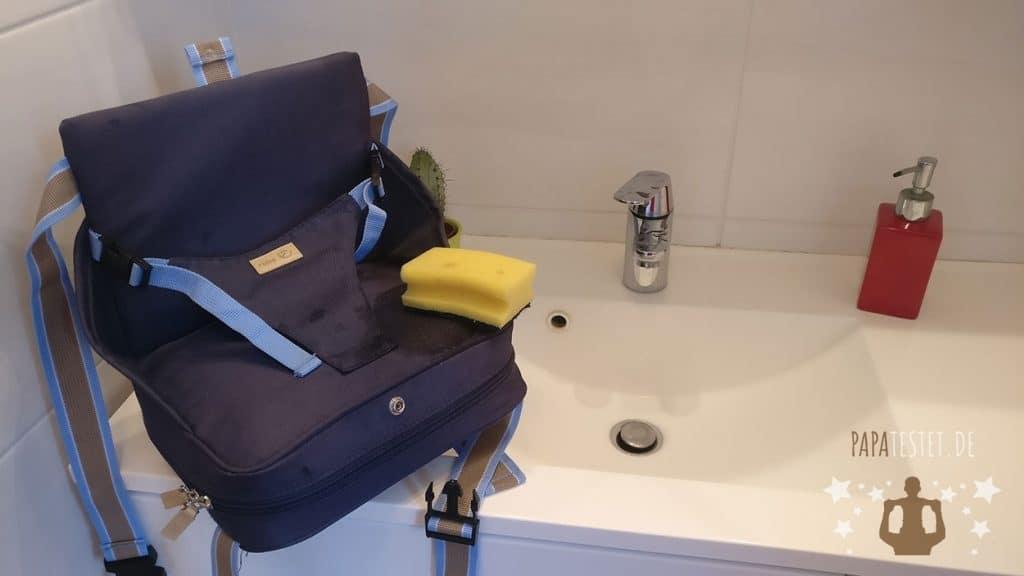 Reinigung der Sitzerhöhung von Roba mit warmen Wasser