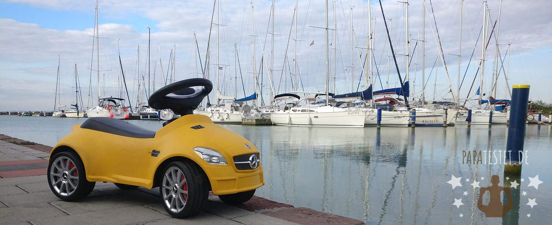 Ein gelbes Rutschauto von Mercedes