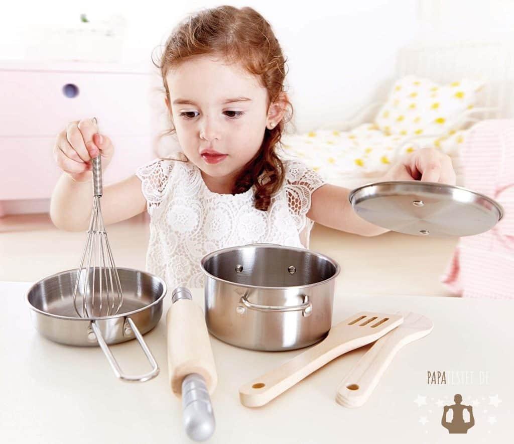 Kinderküchen Zubehör wie Töpfe, Geschirr, Mixer, Kaffeemaschinen und andere Küchengeräte