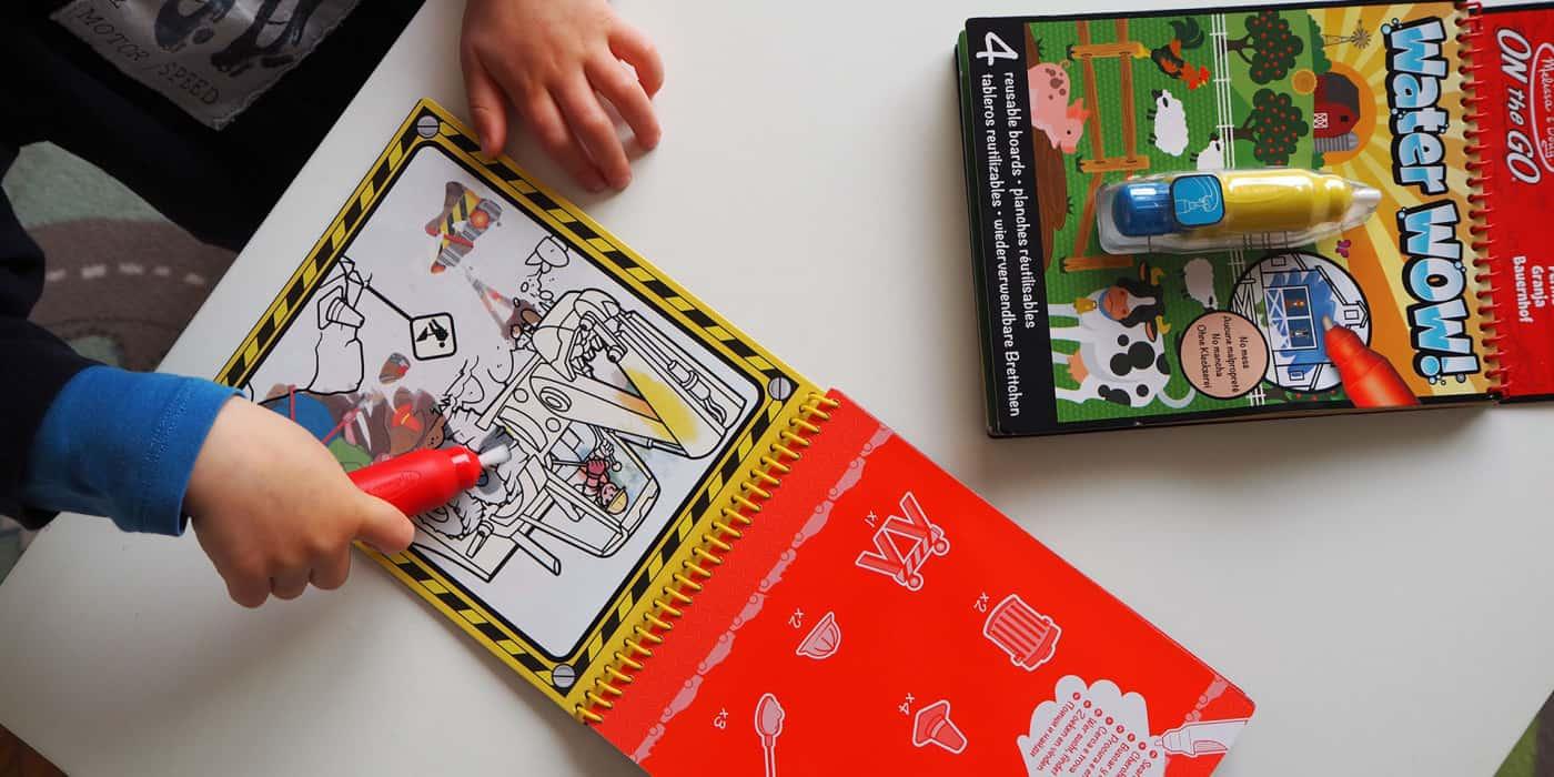 """Das Wassermalbuch """"Water Wow"""" von Melissa & Doug"""
